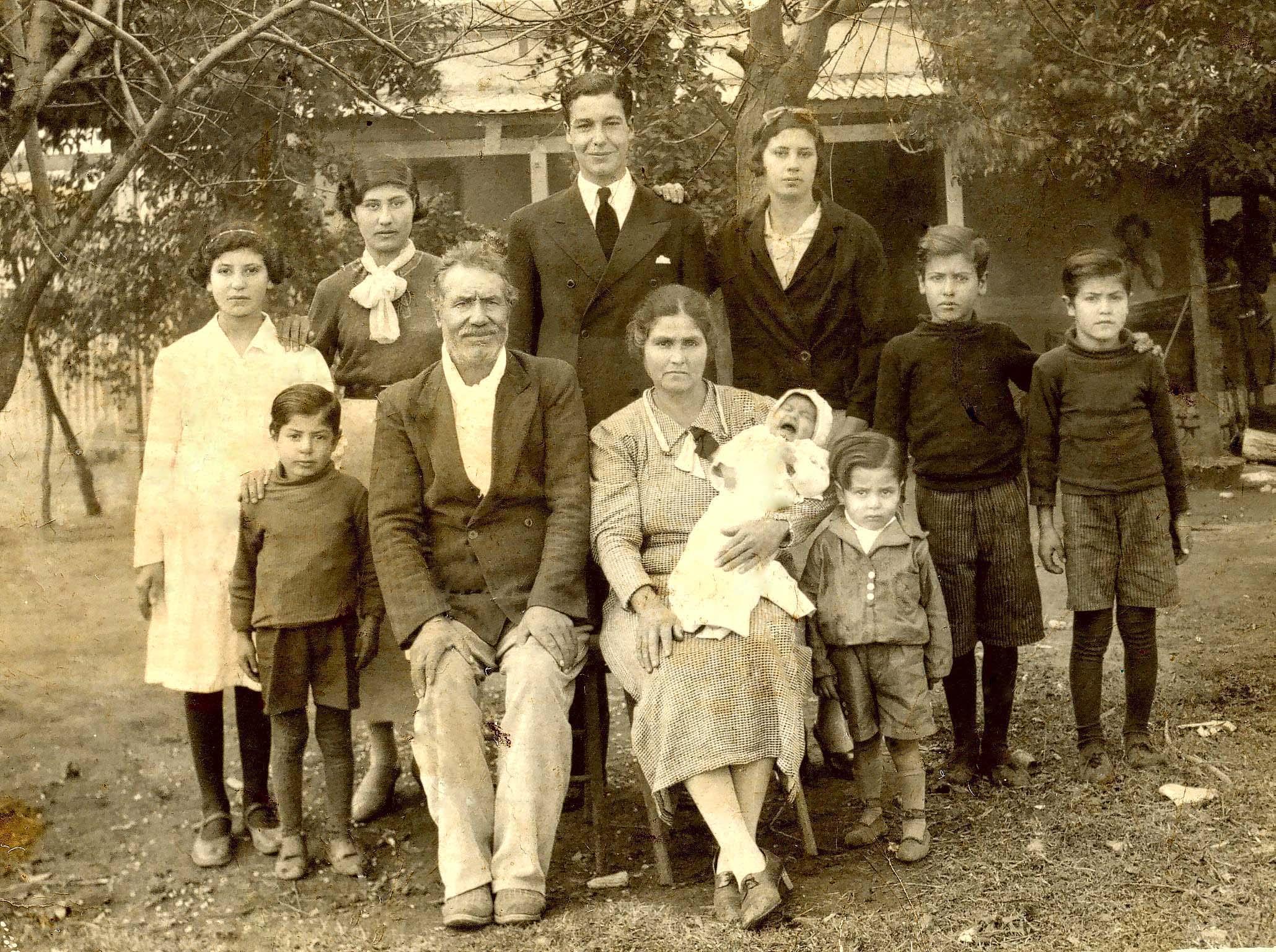 ArchivoInmigrantes espaoles en el pueblo de Arias