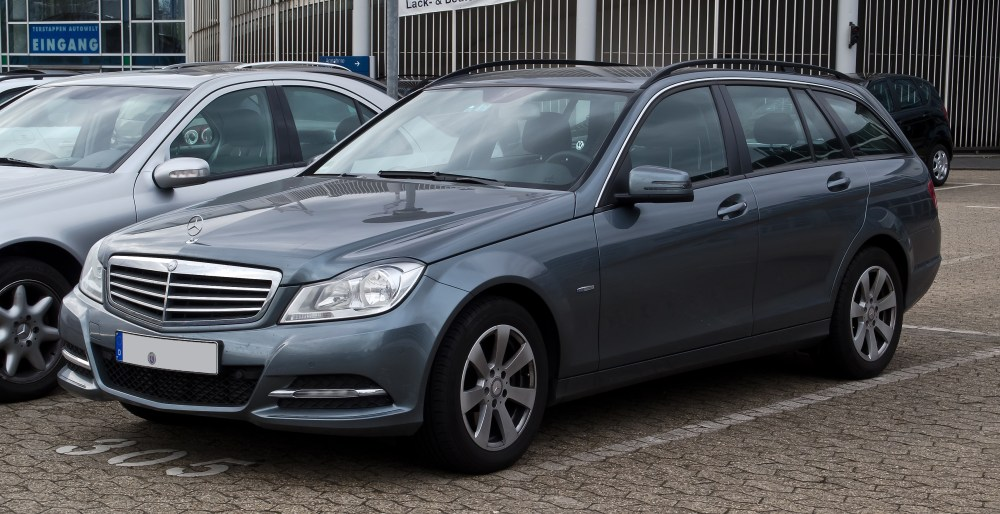 medium resolution of file mercedes benz c 220 cdi blueefficiency t modell serienausstattung s 204