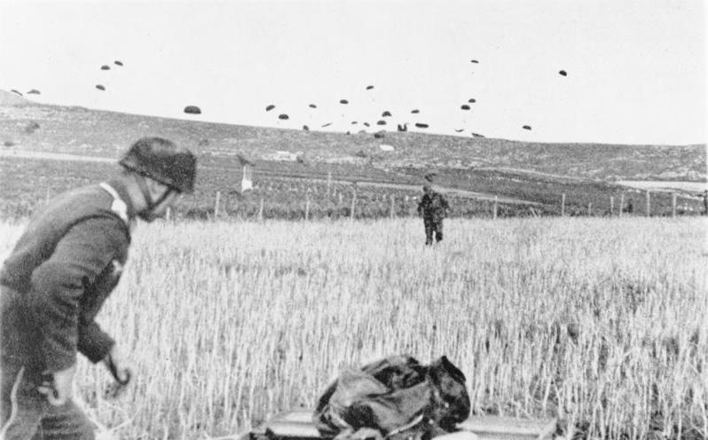 File:Bundesarchiv Bild 141-0864, Kreta, Landung von Fallschirmjägern.jpg