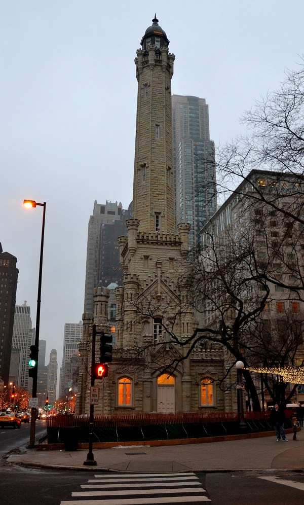 File Chicago Water Tower - Wikimedia Commons