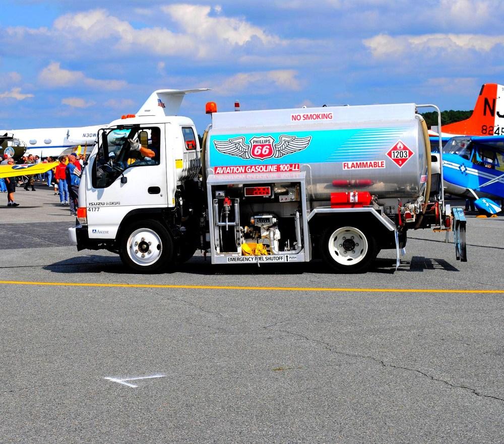medium resolution of file isuzu nqr airfield tank truck jpg