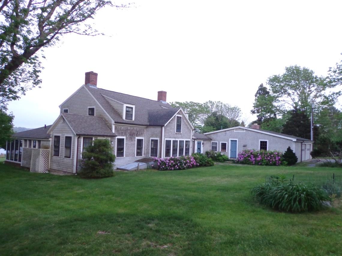 Farmhouse Com