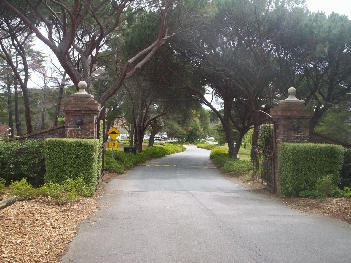 Royal Canberra Golf Club  Wikipedia