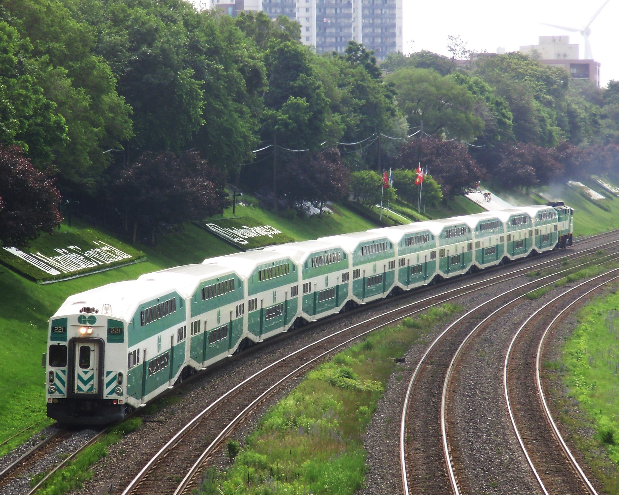 Lakeshore West GO Train Westbound