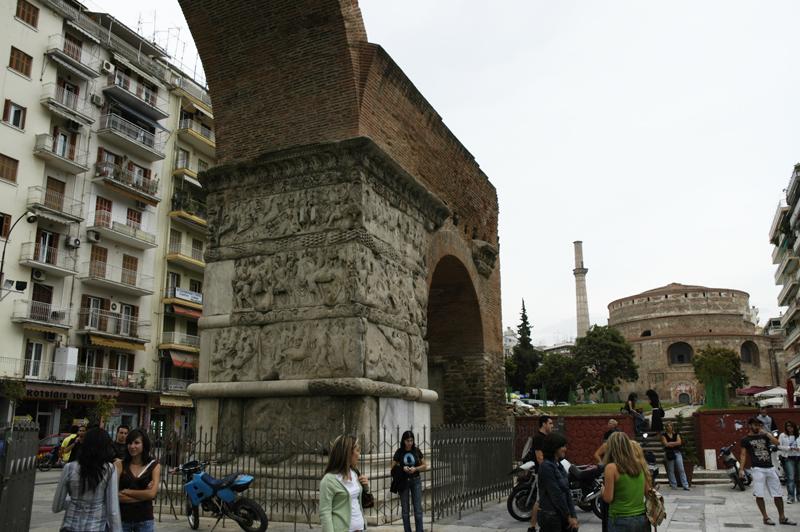 Arch-of-Galerius-3.jpg