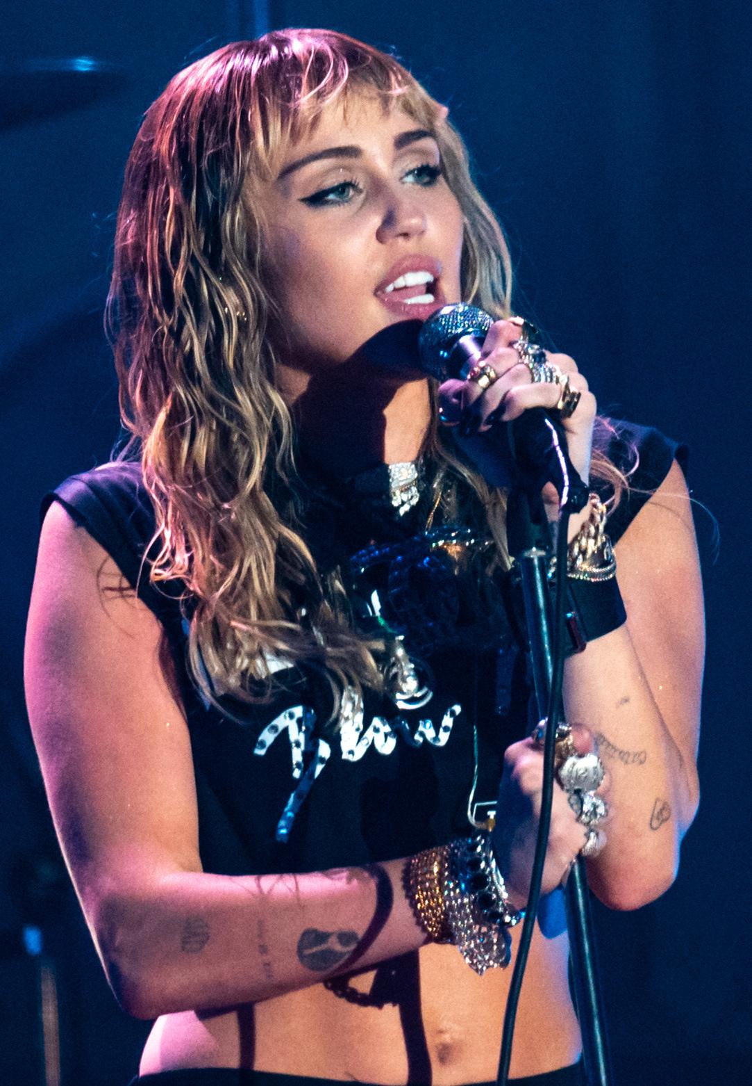 Groupe Chanteuses Américaines Années 40 : groupe, chanteuses, américaines, années, Miley, Cyrus, Wikipédia