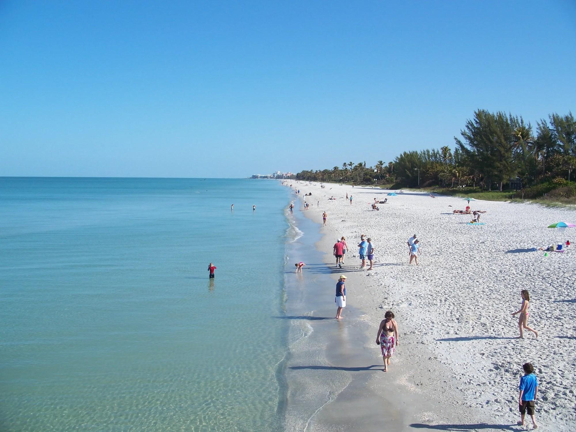 hight resolution of white sand beaches