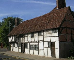 File:Medieval Partially Jettied House Stratford upon Avon geograph org uk 176686 jpg Wikimedia Commons