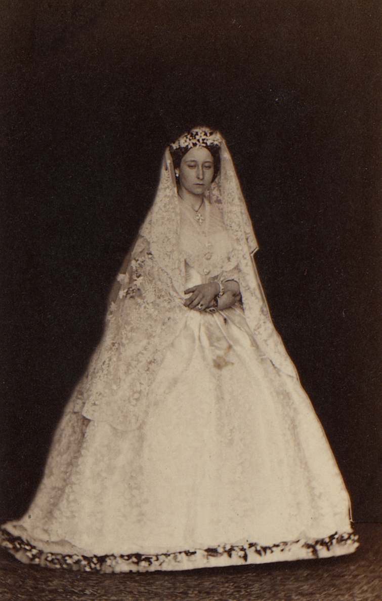 Wedding dress of Princess Alice  Wikipedia