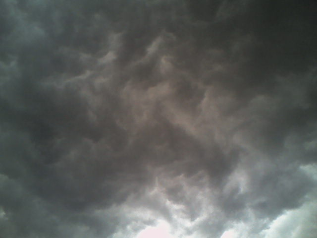 English: Cloudy sky