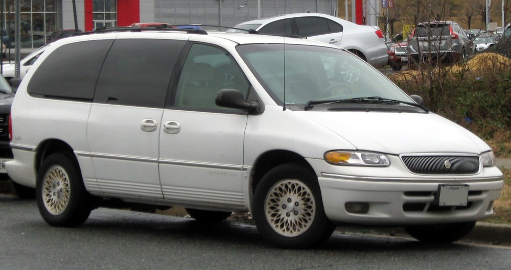 medium resolution of file 1996 1997 chrysler town u0026 country 02 29 2012 jpg wikimedia dodge magnum wiring