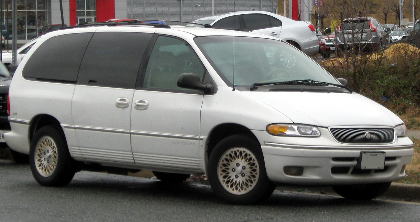 hight resolution of file 1996 1997 chrysler town u0026 country 02 29 2012 jpg wikimedia dodge magnum wiring