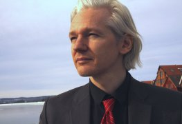 By Espen Moe (Julian Assange Uploaded by Ralgis) [CC BY 2.0], via Wikimedia Commons