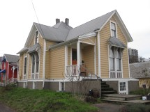 Small Victorian House Portland Oregon
