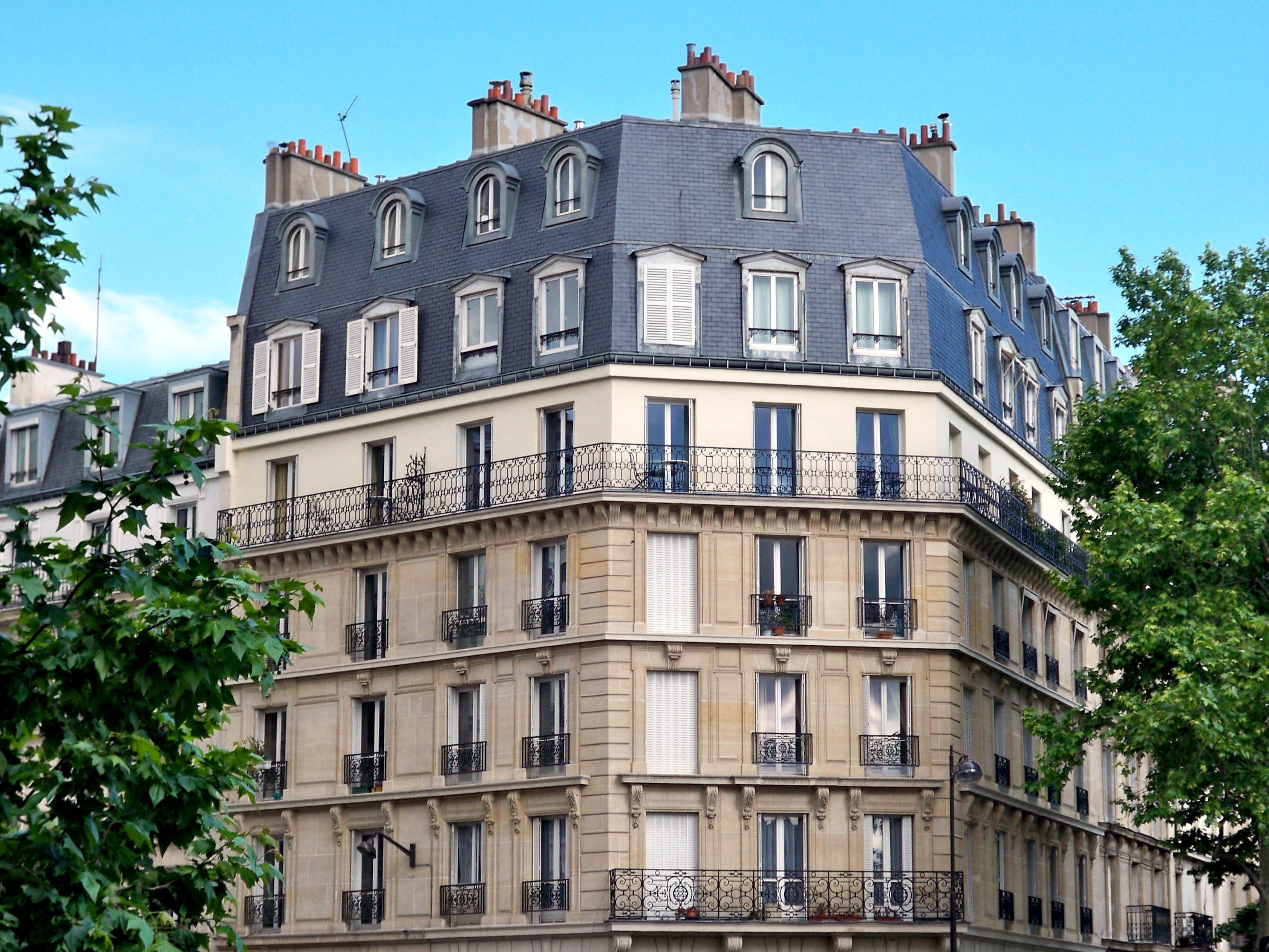Filetypical Paris Apartmentjpg  Wikimedia Commons