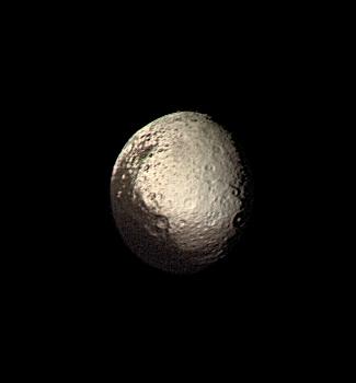 शनि का चन्द्रमा आयपेट्स