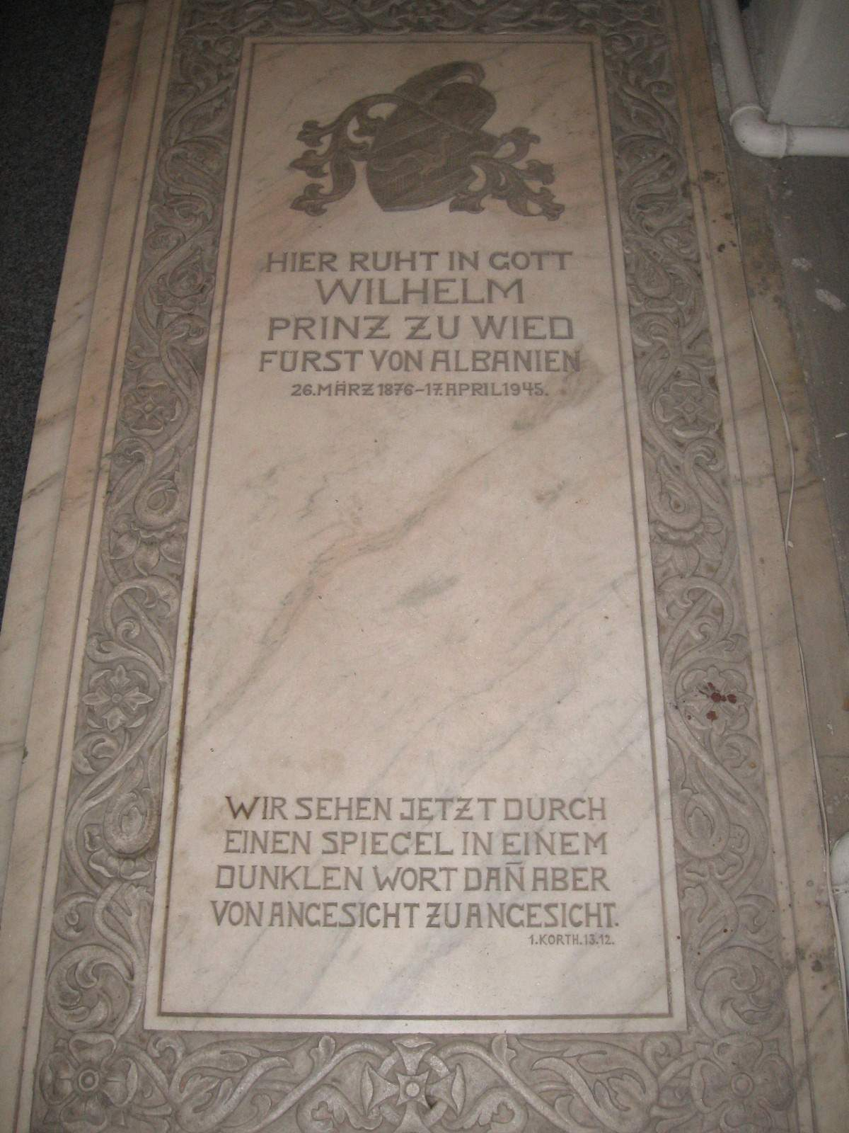 https://i0.wp.com/upload.wikimedia.org/wikipedia/commons/5/5d/Grabstein_von_Wilhelm_zu_Wied.JPG