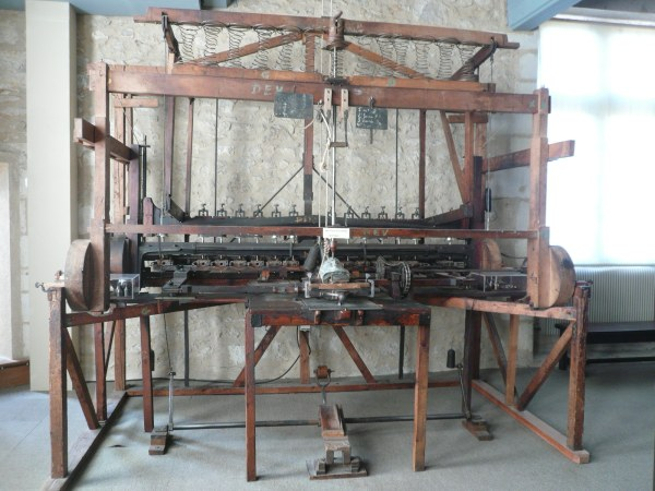 File P1060869 Machine Sculpter Joseph Honore - Wikimedia Commons