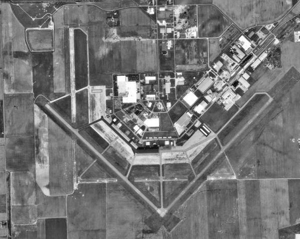 Freeman Municipal Airport - Wikipedia