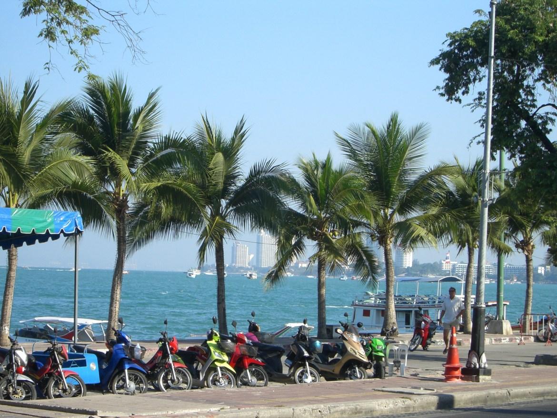 350px-Pattaya_Beach_Road_Thailand The best way to see Thailand - Excerpt (5)