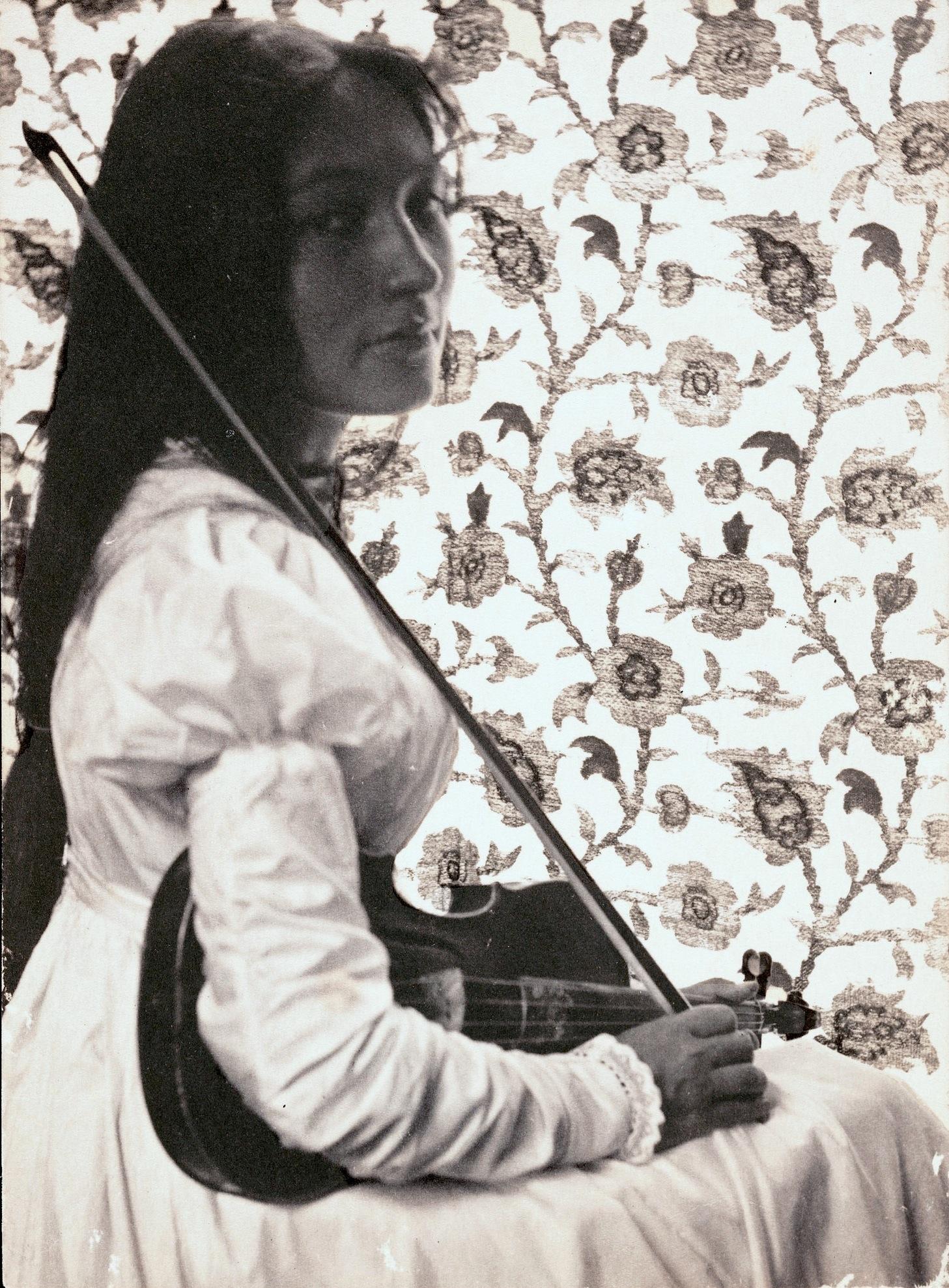 American Girl Wallpaper Com File Zitkala Sa 1898 Jpg Wikimedia Commons