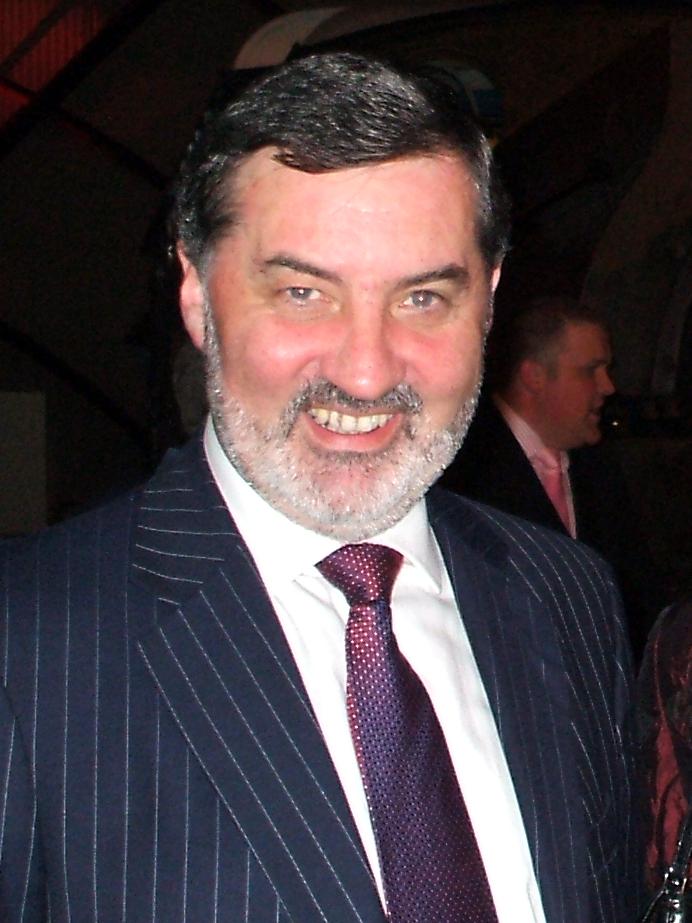 English: Photo of Lord John Thomas Alderdice (...