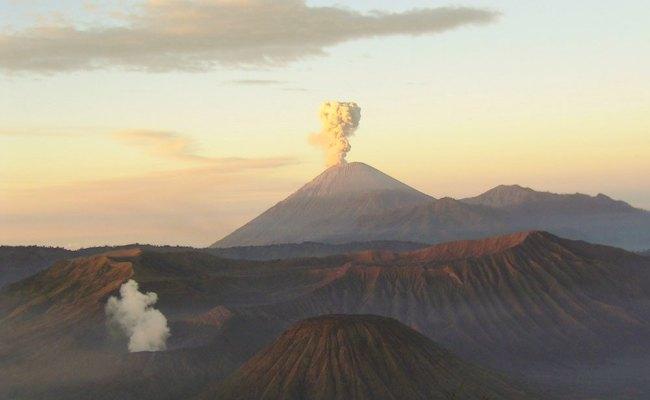 List Of Volcanoes In Indonesia Wikipedia