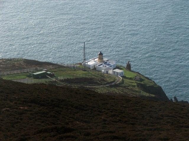 File:Mull of Kintyre Lighthouse. - geograph.org.uk - 347240.jpg