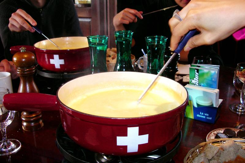 Ficheiro:Swiss fondue 2.jpg