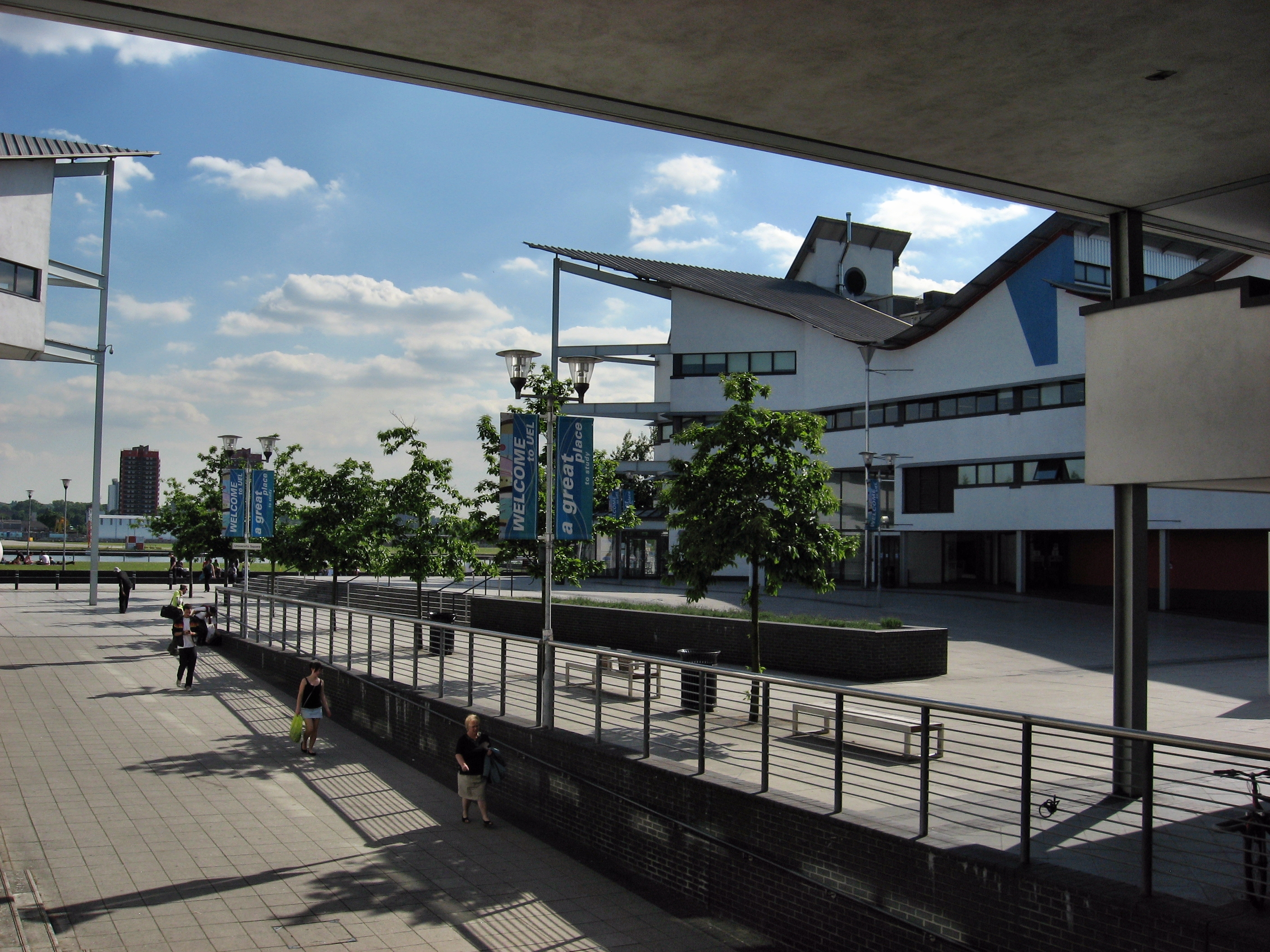 File:University of East London Docklands Campus.jpg - Wikimedia Commons