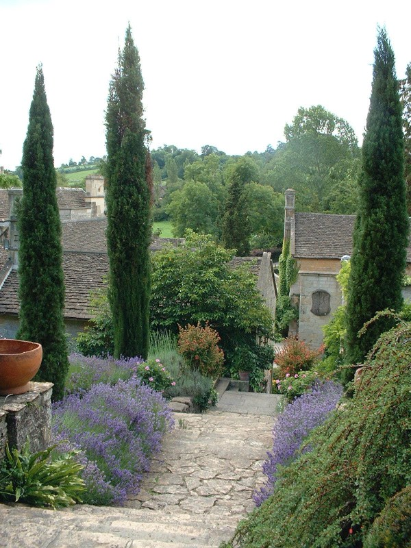 file peto garden iford