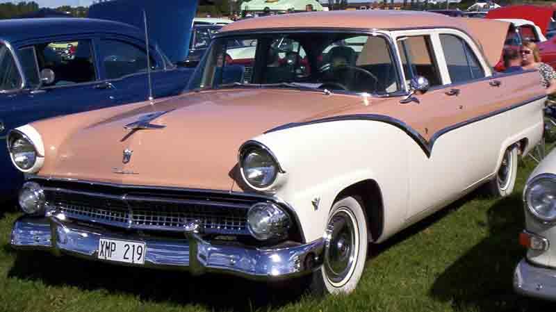 1955 Ford Fairlane Victoria 4 Door