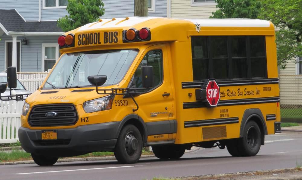 medium resolution of file ford transit 350 hd school bus by trans tech 5 17 18 jpg