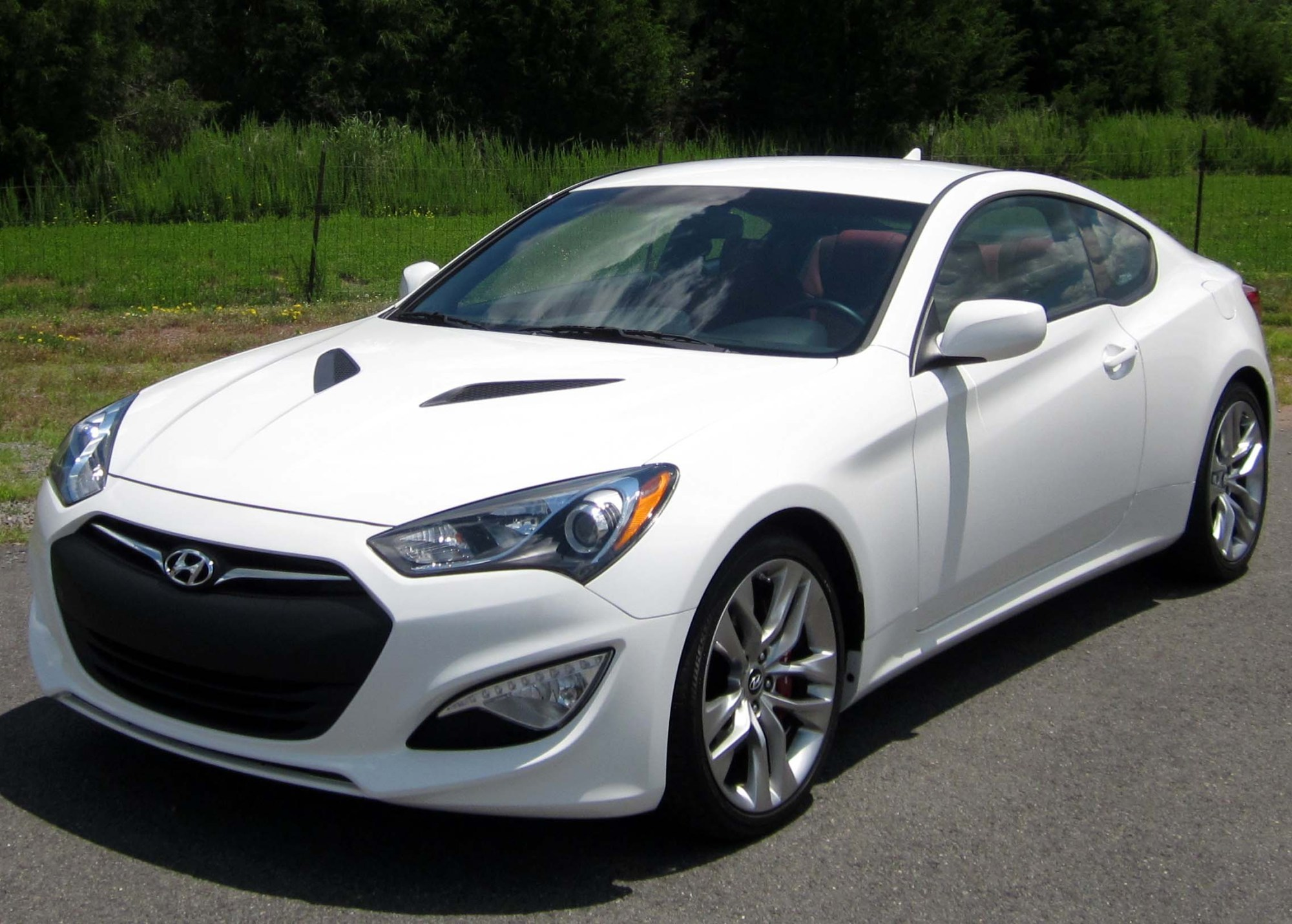 hight resolution of file 2013 hyundai genesis coupe 3 8 r spec 06 15