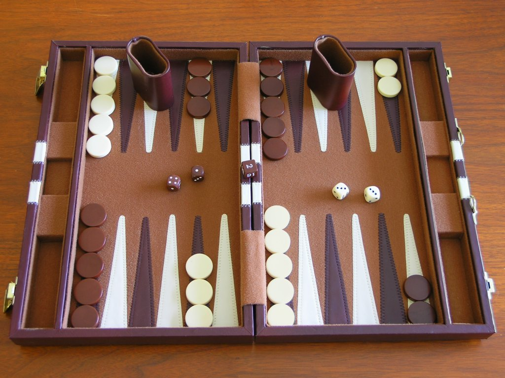 https://i0.wp.com/upload.wikimedia.org/wikipedia/commons/6/63/Backgammon_board.jpg