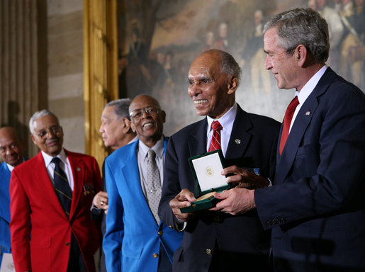 Tuskegee Airmen + US Congressional Gold Medals, 2007March29.jpg