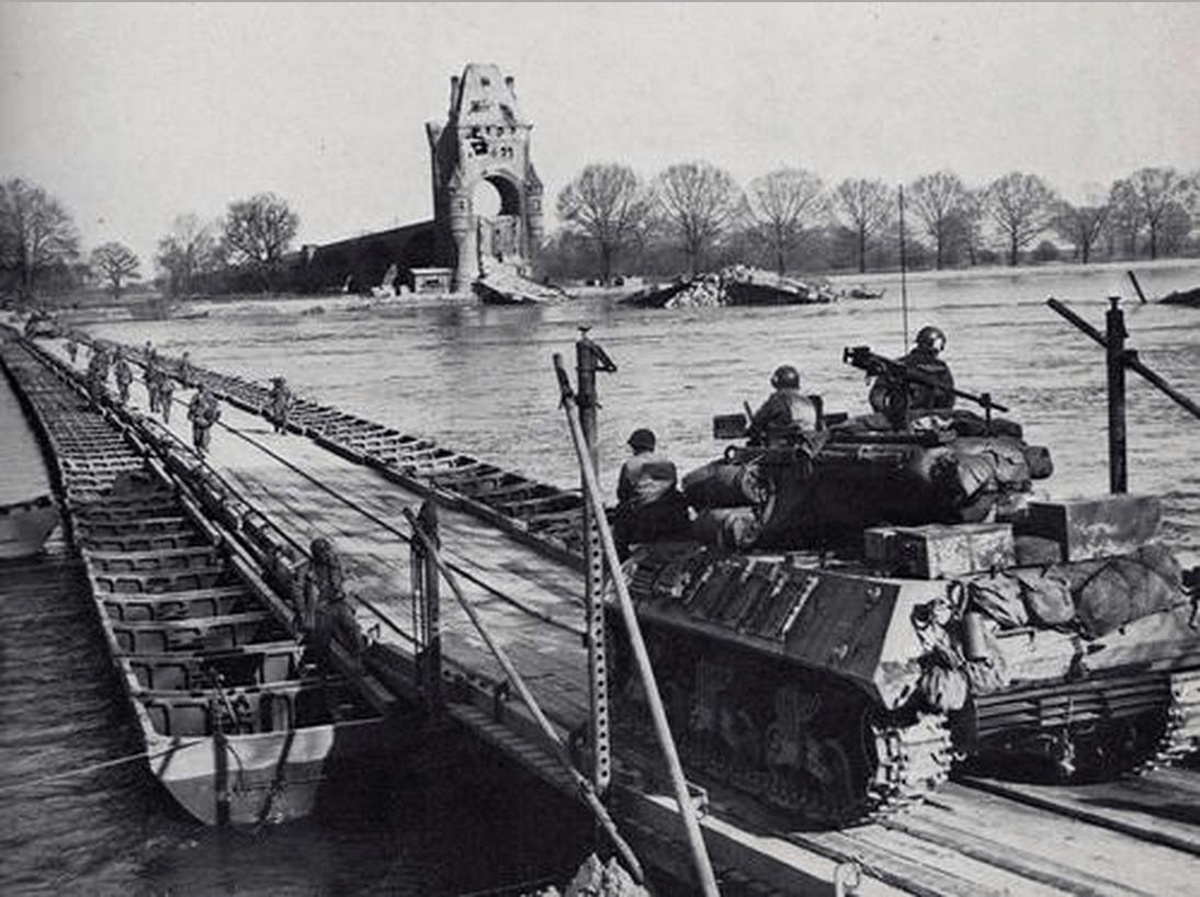 hight resolution of pontoon bridge