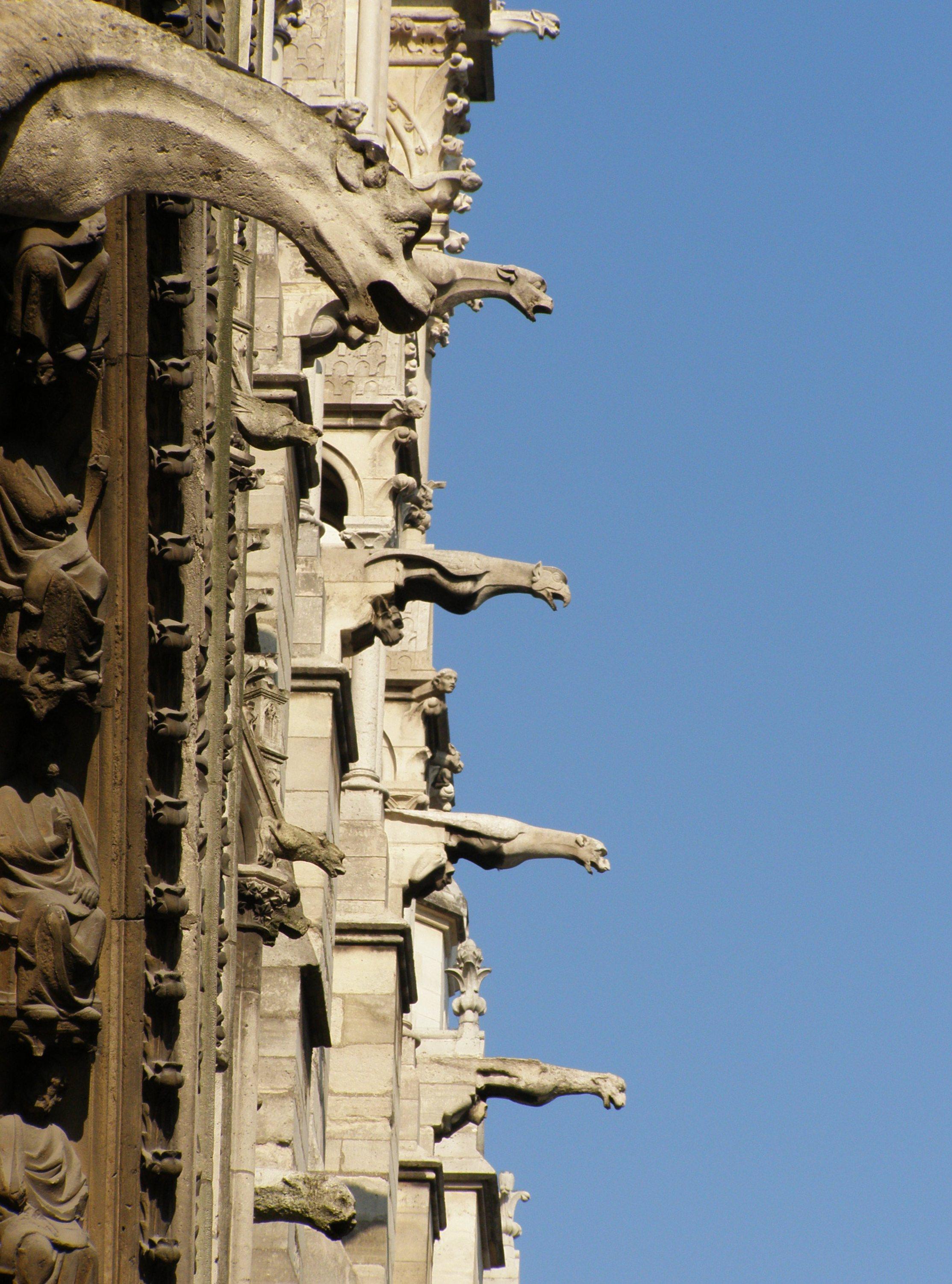 WikiZero - Gargouilles de la cathédrale Notre-Dame de Paris
