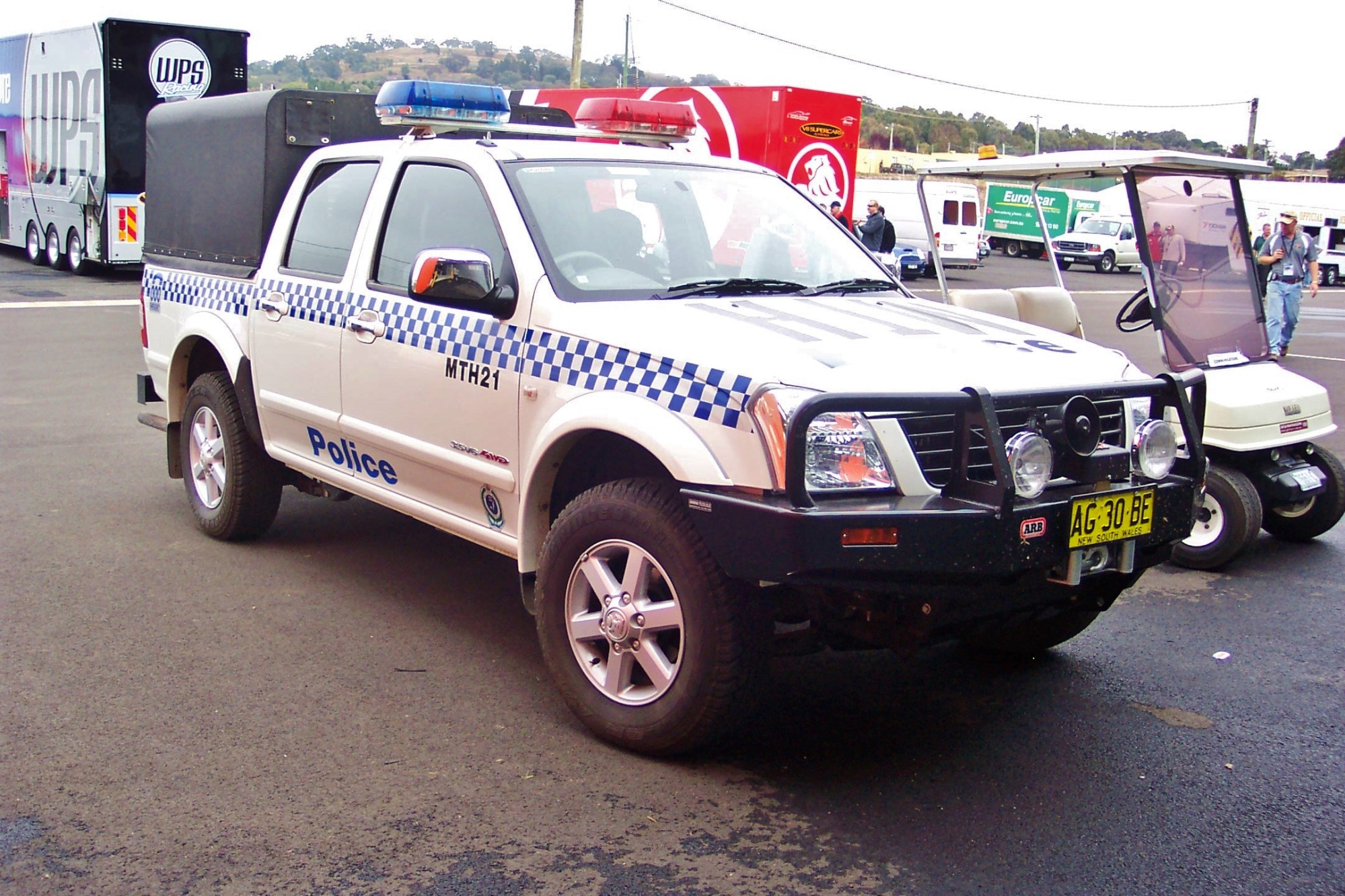hight resolution of file 2005 holden ra rodeo lt paddy wagon nsw police 5498537804 jpg