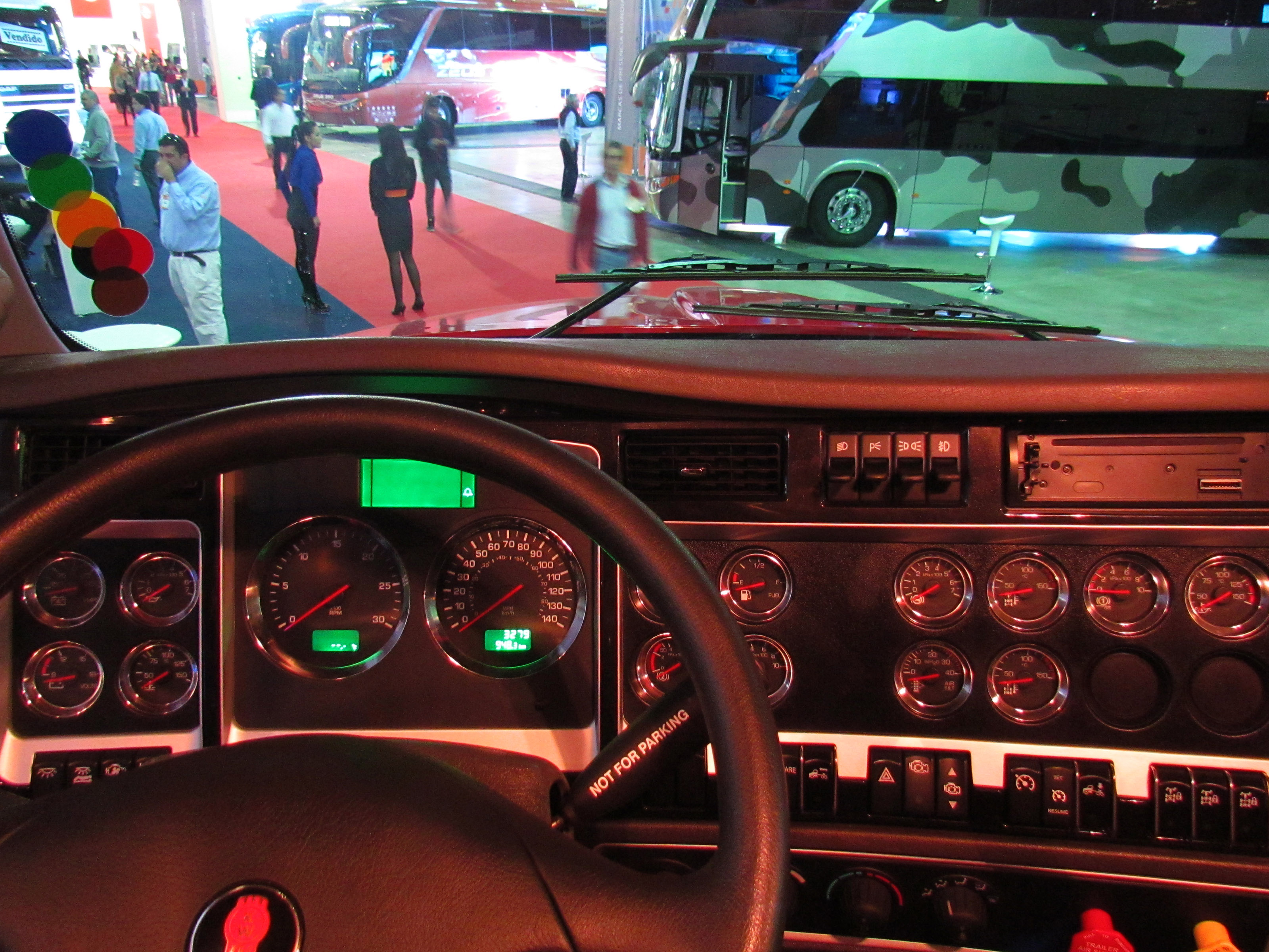 Kenworth T660 Interior