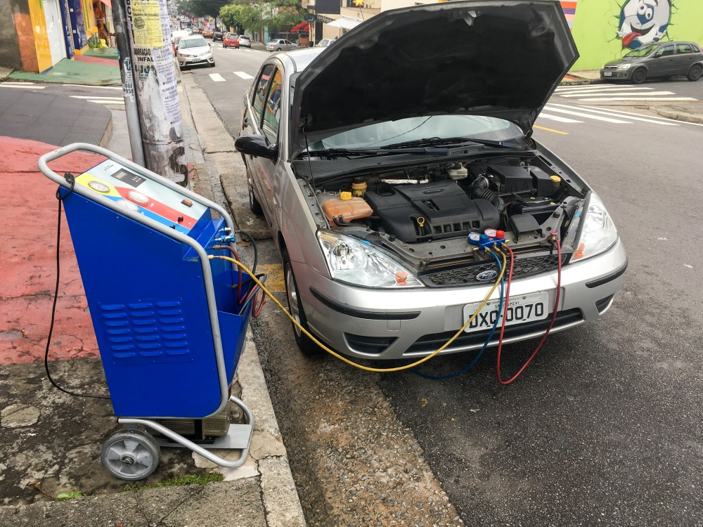 medium resolution of regassing the air conditioning of a ford focus