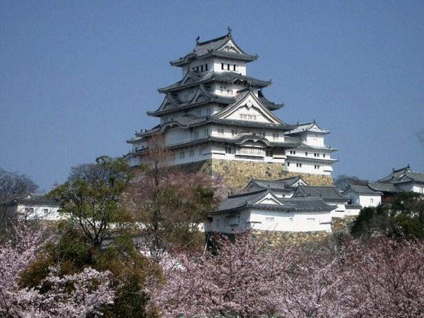 Castle Himeji sakura01 adjusted