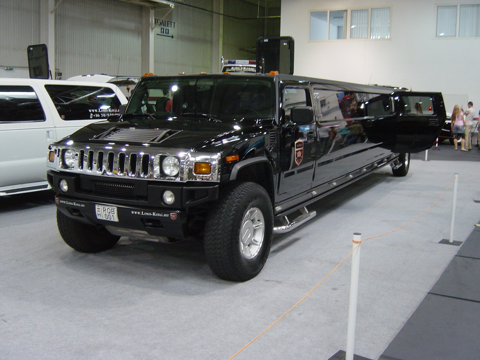 File Rod and Custom 2007 Hummer Limousine front