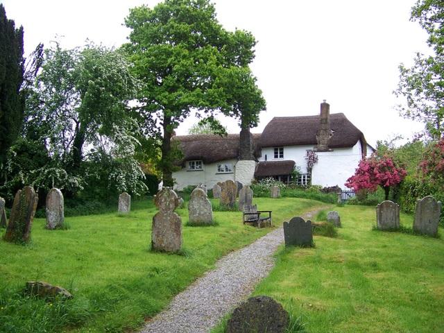 File:Cottages, Higher Ashton - geograph.org.uk - 1391529.jpg