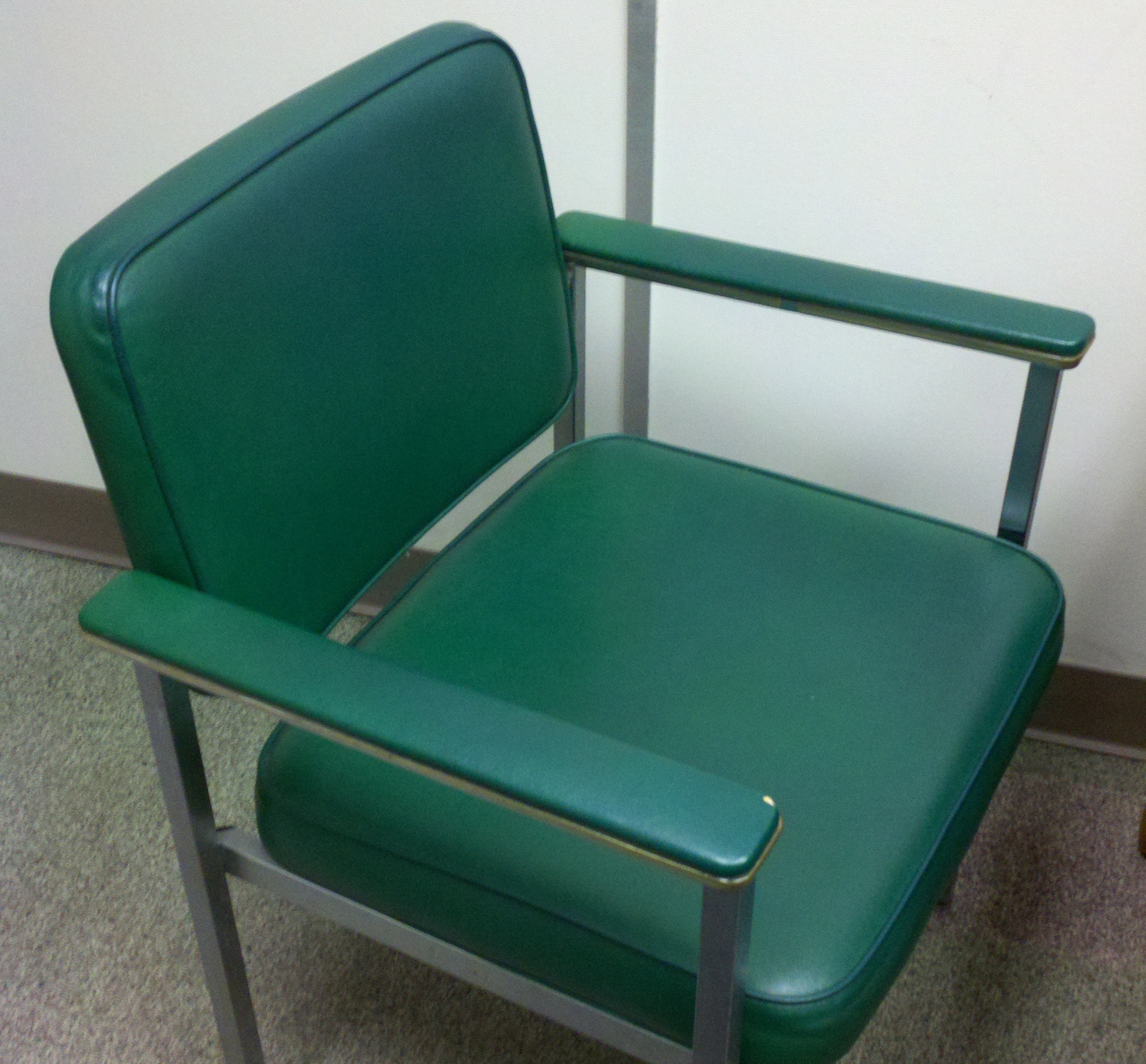 blue green chair bariatric stretcher file awesome jpg wikimedia commons