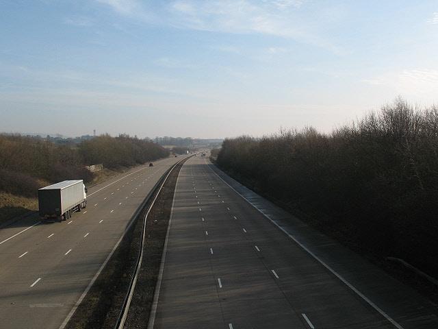 File:Half-empty motorway - geograph.org.uk - 1140736.jpg