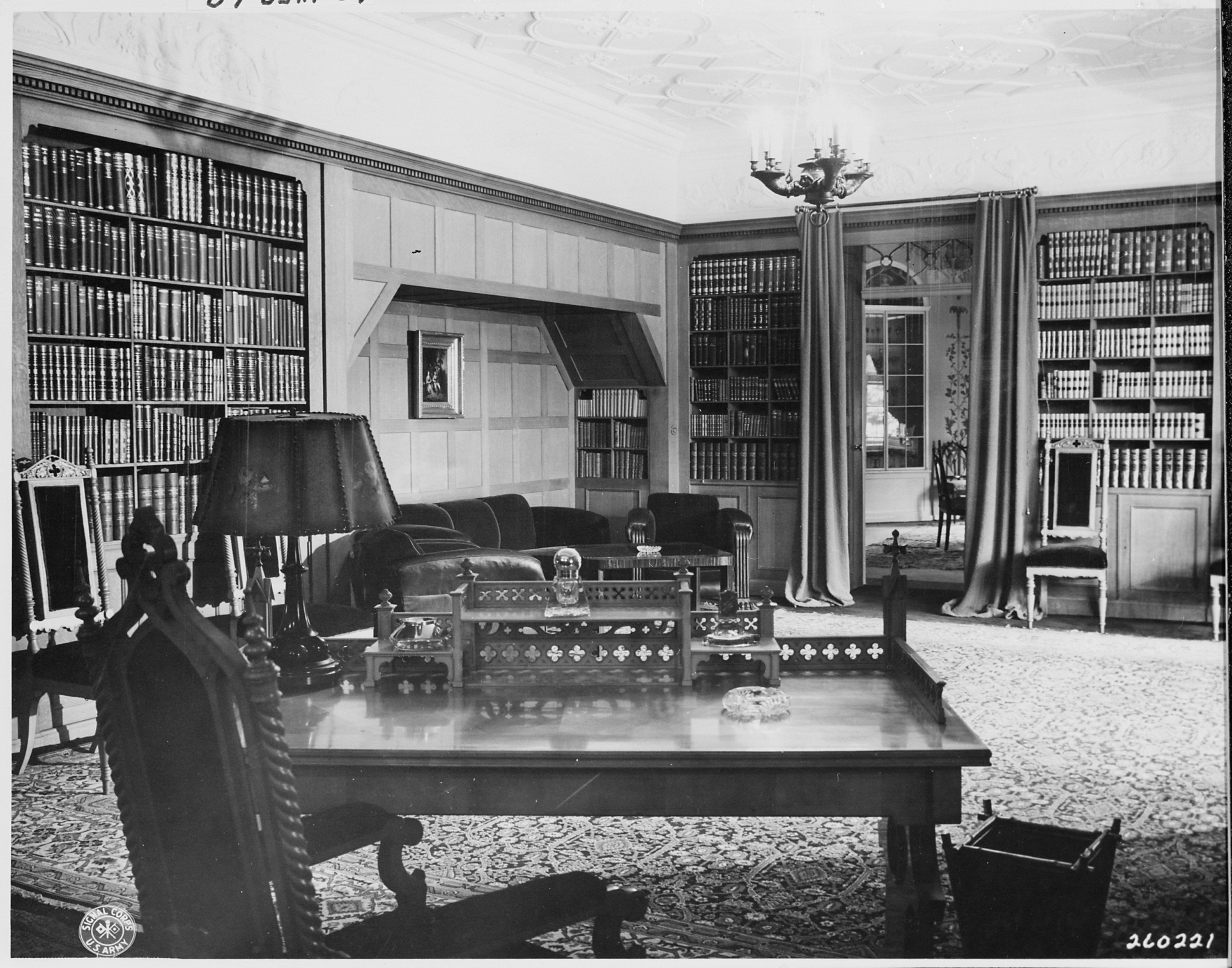 FileDesk and office library of President Harry S Truman