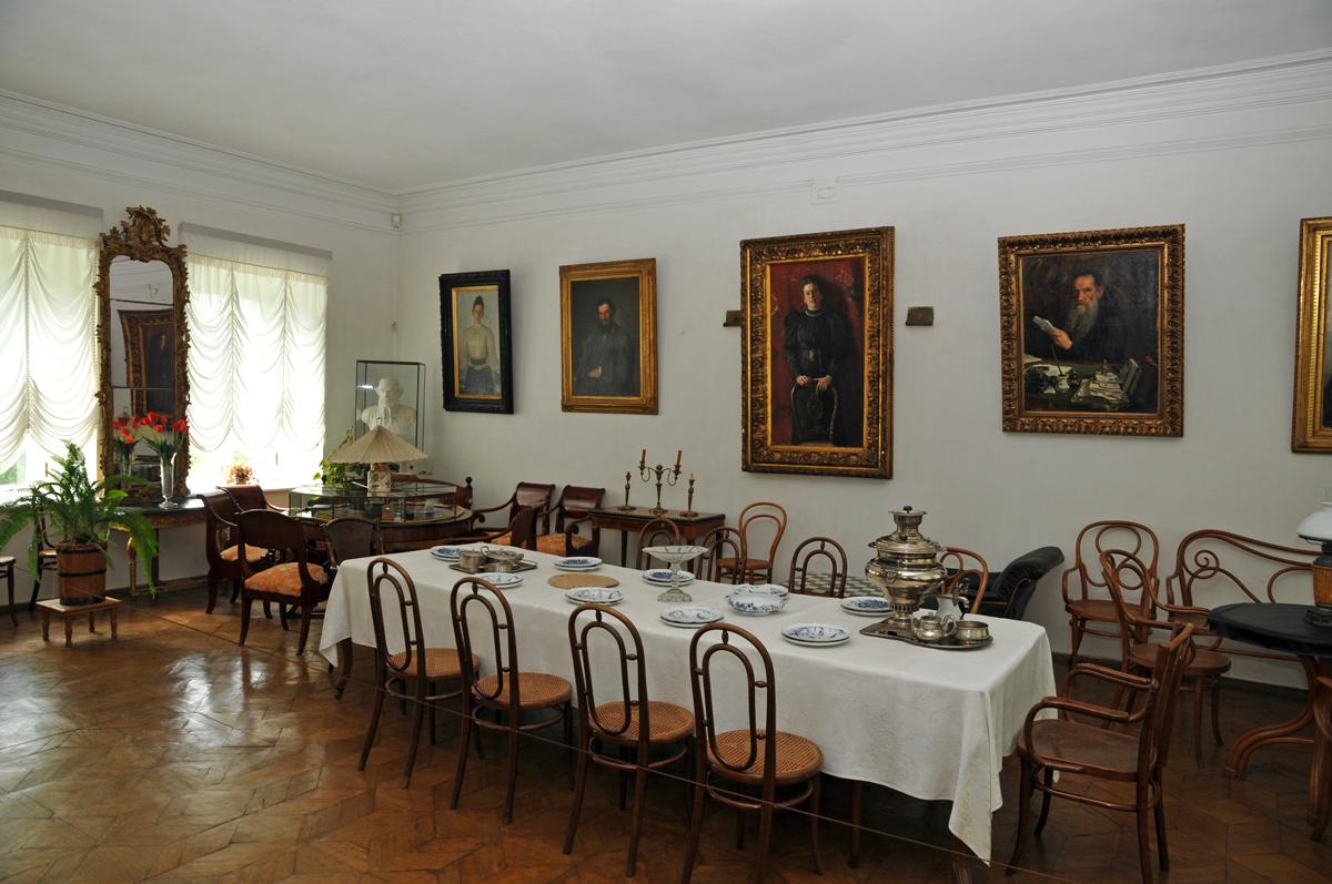 FileSala da pranzo a jasnaja poljanajpg  Wikipedia