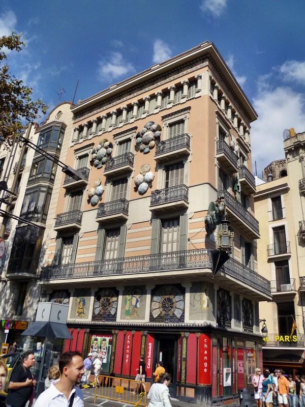 Casa Bruno Cuadros - Viquipdia L'enciclopdia Lliure