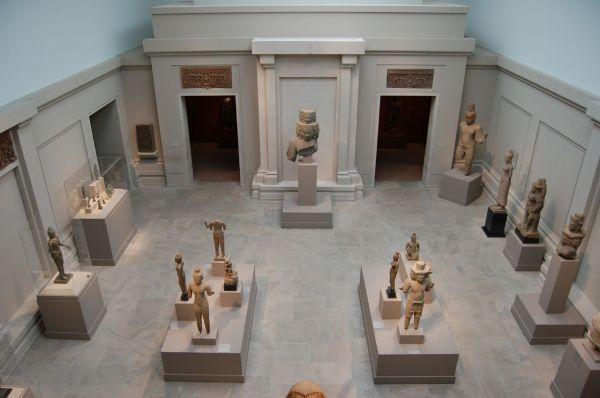 File Metropolitan Museum Of Art 898201198